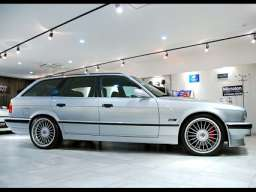 Alpina B10 Touring (E34) 4.0 i V8 32V 315 HP