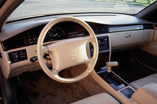 Cadillac Eldorado VII 4.9 V8 (200 Hp)