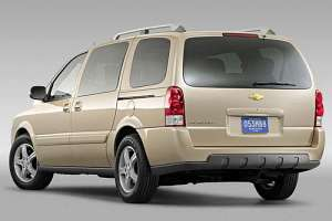 Chevrolet Uplander 3.9 i V12 243 HP