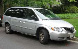 Chrysler Town and Country I 3.3 150 HP