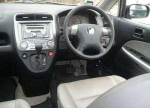 Honda Stream 2.0 i 156 HP