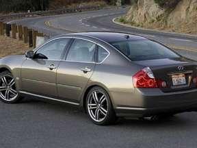 Infiniti M35 3.5 i V6 24V AWD 307 HP