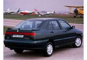 SEAT Toledo I (1L) 1.6 i 75 HP